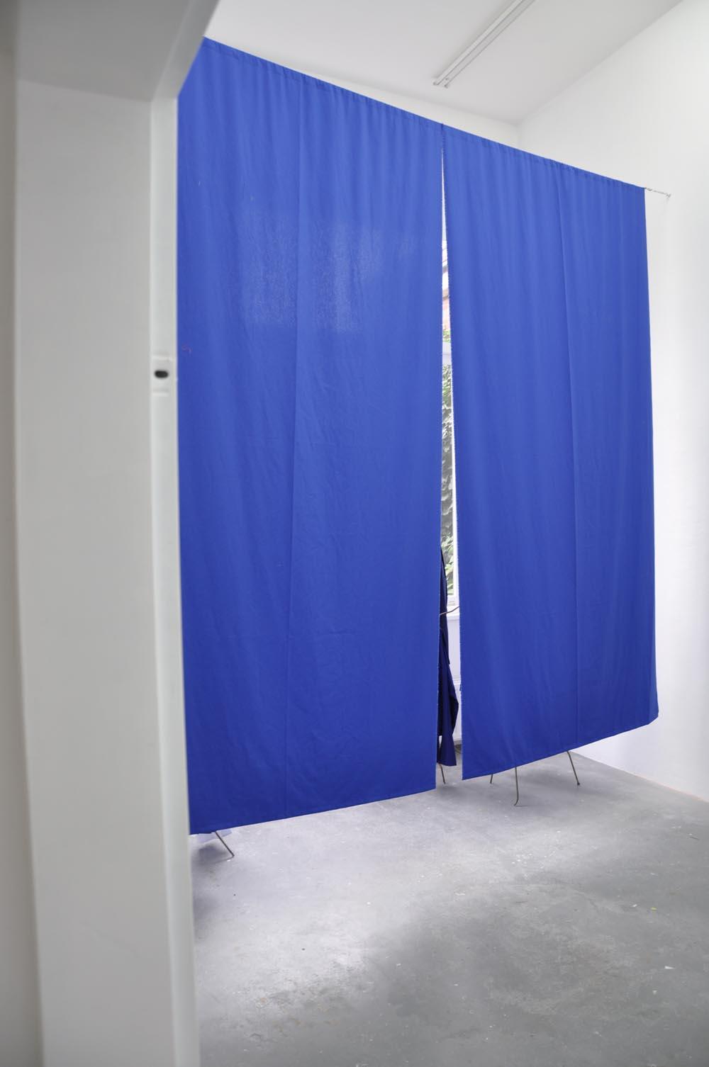 Curtain Behind the Heap